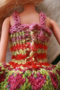 Barbiekjolepaabagfra_web
